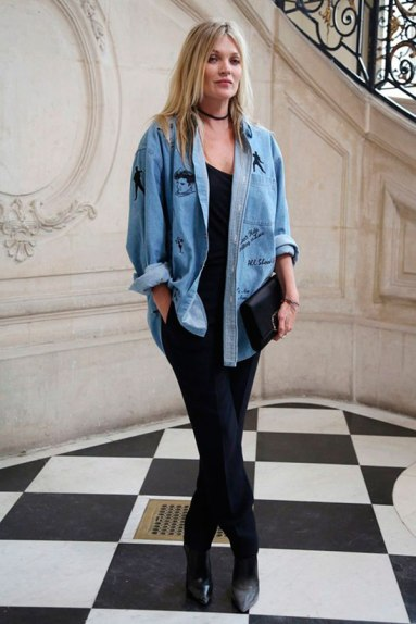 kate-moss-look-basico-camisa-jeans-161103-101954