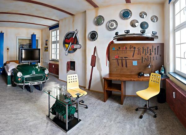Creative-Car-Themed-Bedroom-Design-Ideas-Classic-Green-Car-Bedroom-Design-and-Furniture
